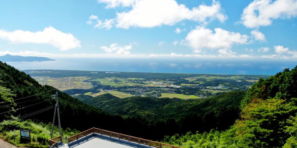 金峰山から吹上浜と東シナ海を望む